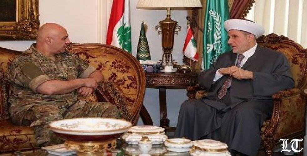 """قائد الجيش يتبنى نظرية """"الذئب المنفرد"""" لإرهابي طرابلس"""