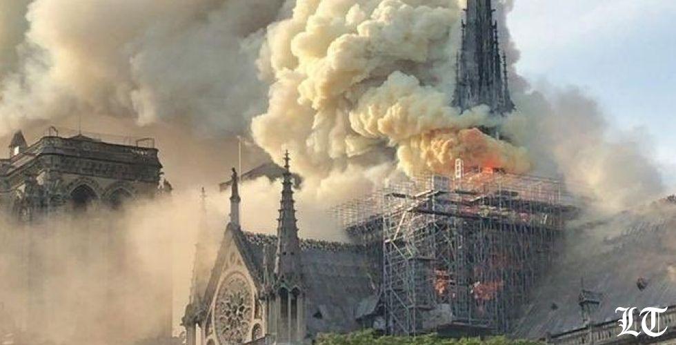 إنقاذ إكليل شوك المسيح الموجود في كاتدرائية نوتردام-باريس