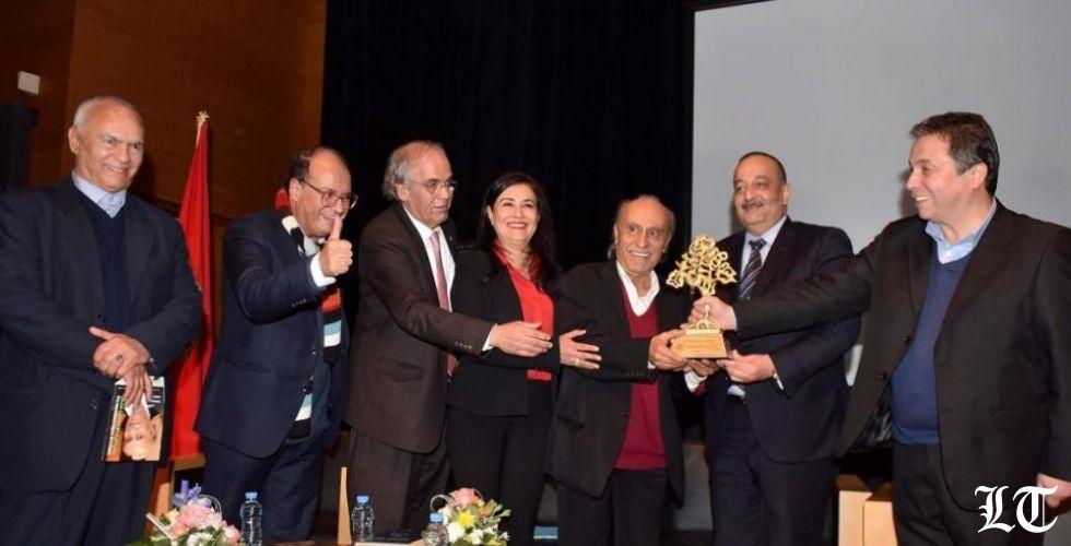 المغرب يكرّم الشعرية اللبنانية بجائزة الى وديع سعادة