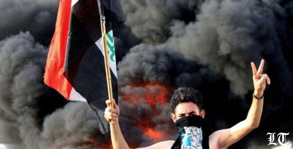 عبدالمهدي يحاول تطويق الاحتجاجات الدامية بتعديل حكومي ومعاشات للعائلات الفقيرة في العراق