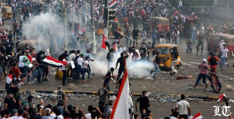 الرصاص الحيّ يُسقط قتلى في صفوف المحتجين في العراق