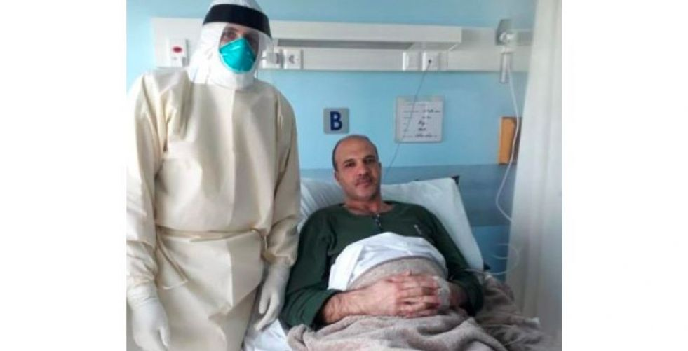 اللبنانيون يتضامنون مع وزير الصحة ونجله كريم في مواجهة كورونا