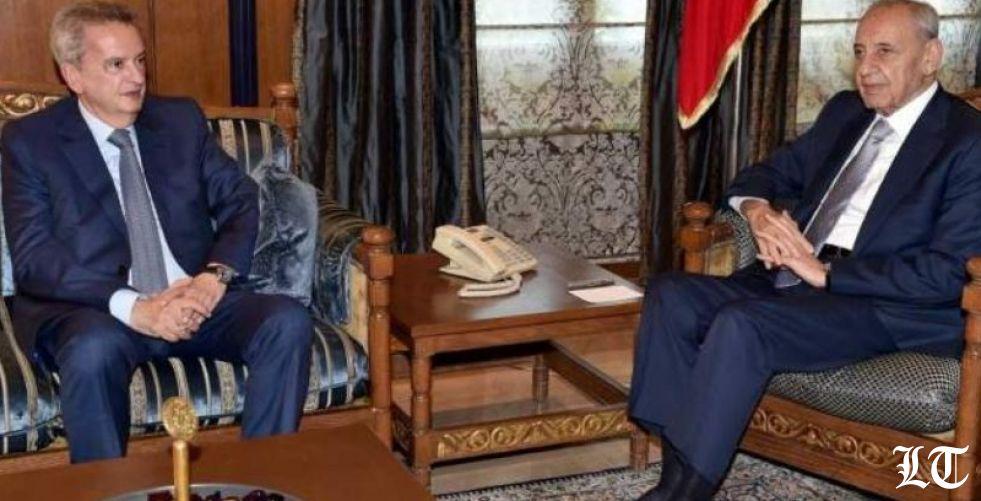 الرئيس نبيه بري يحتضن رياض سلامه