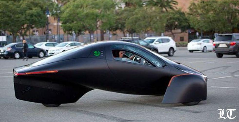 السيارة السبّاقة بالطاقة الشمسية