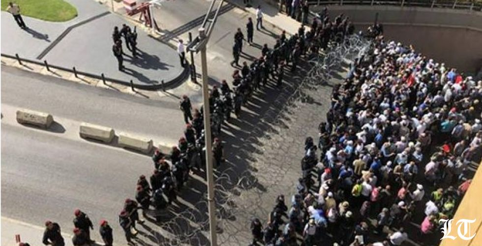 ودخل لبنان في الفوضى ، فمَن يحرّك مَن؟