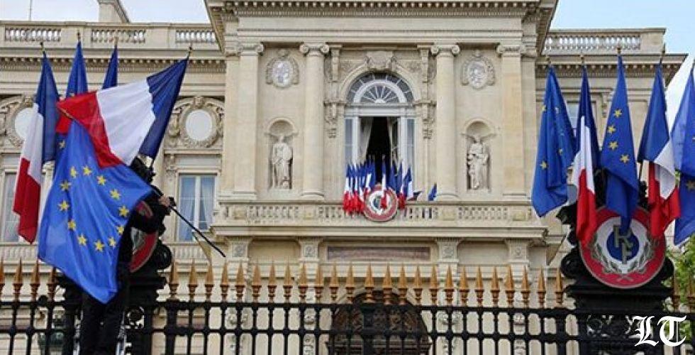 الخارجية الفرنسية: على الحكومة اللبنانية تحمّل مسؤولياتها