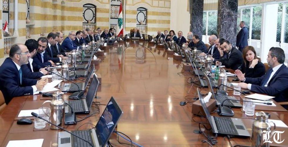 الرئيس عون على صمته والحريري لم يحقق مطالب المتظاهرين بل حقق مطالبه
