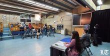 طلاب جامعة الكسليك في نشرة أخبار عن كورونا والاقتصاد والمرفأ والهجرة والفساد