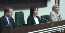 الخلاف بين الحزبين الكرديين يتواصل مع وصول أول امرأة الى رئاسة برلمان الاقليم