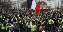 الاحتجاجات تنتقل الى فرنسا والإضراب عام وشامل