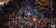 التظاهرات المليونية تضغط، ومن انجازاتها استقالة وزراء القوات