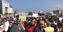 الأحد الغاضب: إقفال طرق ومحاولة اقتحام السراي ومجلس النواب